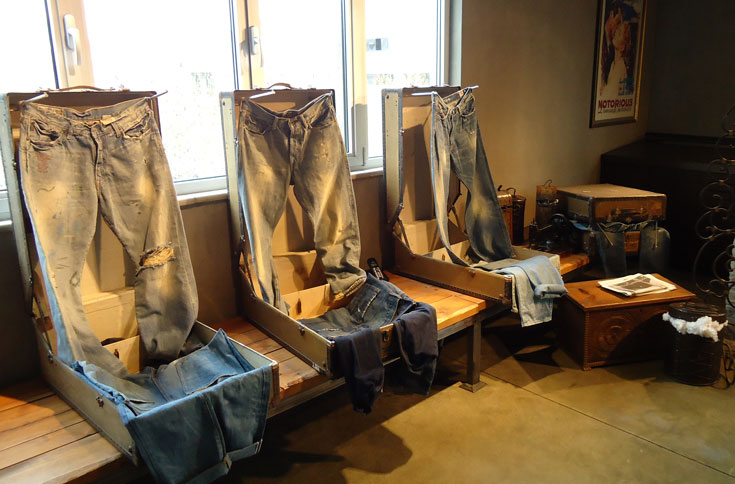 Old Barber Chairs >> etail Showroom Decoration Interior Design Istanbul